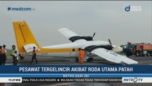 Pesawat Twin Otter Tergelincir di Bandara Juanda