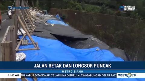 PVMBG Tinjau Lokasi Jalan Retak dan Longsor di Puncak