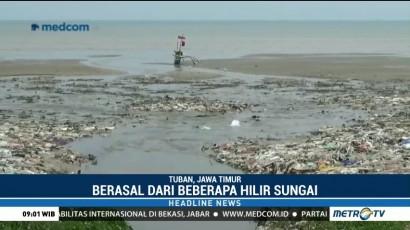 Ribuan Ton Sampah Plastik Menumpuk di Perairan Laut Utara Tuban