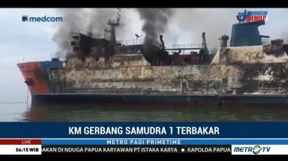 Upaya Pemadaman Api KM Gerbang Samudra I Terus Dilakukan Basarnas
