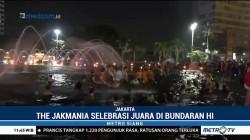 Persija Juara, Jakmania <i>Nyebur</i> ke Kolam Bundaran HI
