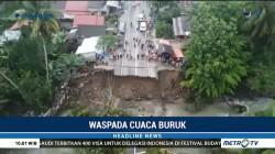 Jembatan Penghubung Padang-Bukittinggi Putus Akibat Banjir