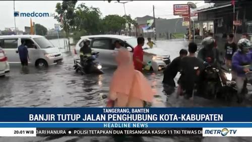 Banjir Rendam Jalan Penghubung Kota dan Kabupaten Tangerang