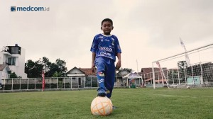 Mencoba Lapangan Sepak Bola Berstandar FIFA di Tasikmalaya