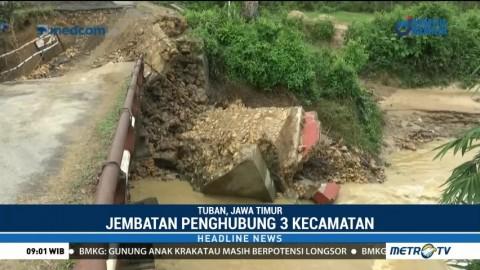 Jembatan Penghubung Tiga Kecamatan di Tuban Ambruk