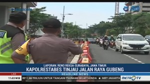 Arus Lalin di Jalan Raya Gubeng Padat