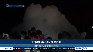 Busa Setinggi 5 Meter Tutupi Aliran Sungai di Jombang
