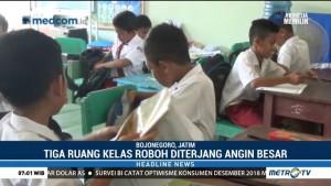 Sekolah Roboh, Siswa di Bojonegoro Belajar di Perpustakaan
