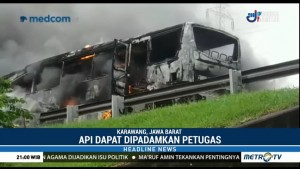 Bus Pariwisata Terbakar di KM 49 Tol Arah Cikampek