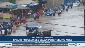 Akses Jalan Dayeuhkolot-Baleendah Lumpuh Akibat Banjir
