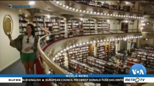 Bookstore Becomes Tourist Destination