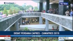 Pendukung Dua Capres Ramaikan Hotel Bidakara