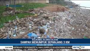 Pantai Tana Beru Bulukumba Dipenuhi Sampah Plastik