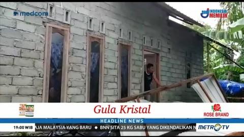 Angin Puting Beliung Terjang Permukiman Warga di Lombok Tengah