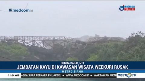 Jembatan Kayu di Wisata Weekuri Sumba Rusak Akibat Gelombang Tinggi