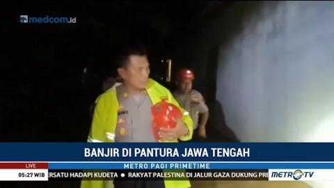 Polres Pati Lakukan Patroli di Lokasi Banjir Dukuhseti