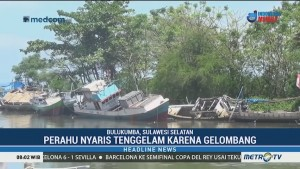 Sejumlah Perahu di Bulukumba Rusak Dihantam Gelombang Tinggi