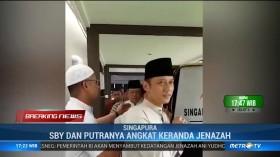 SBY dan Kedua Putra Angkat Keranda Jenazah Almh Ani Yudhoyono