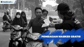 Pembagian Masker Gratis di TPA Antang Makassar