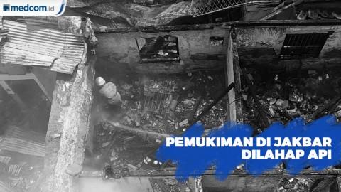 Pemukiman Padat di Kebon Jeruk, Jakarta Barat, Dilahap Api
