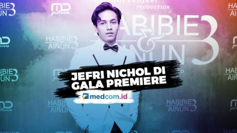 Bikin Kejutan, Jefri Nichol Hadiri Premiere Habibie & Ainun 3