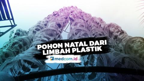 Anak SD Rangkai Pohon Natal Raksasa dari Limbah Plastik