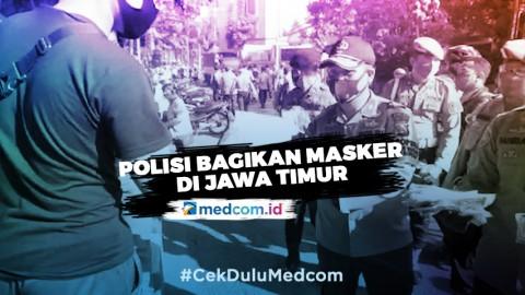 Kepolisian Bagikan Masker Secara Serentak di Jawa Timur