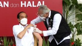 Detik-detik Jokowi Disuntik Vaksin COVID-19