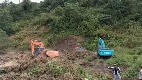 Tambang Longsor, 10 Orang di Tanah Bambu Masih Tertimbun