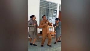 Polisi Telusuri Video Anggota DPRD di NTT Berjoget Tanpa Masker