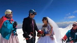 Unik, Pasangan Suami Istri di Bolivia Menikah di Puncak Gunung Illimani