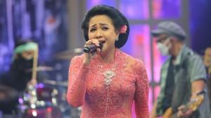 Vaksin Slank untuk Indonesia - Sundari Soekotjo Mencintai Musik Keroncong Sejak Kecil