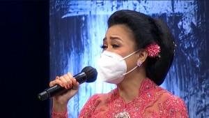 Vaksin Slank untuk Indonesia - Sundari Soekotjo Ajari Kaka Slank Bernyanyi Keroncong