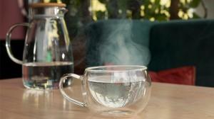 Redakan Hidung Tersumbat hingga Kurangi Stres, Ini 5 Manfaat Kesehatan Minum Air Hangat