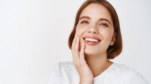 Ingin Memutihkan Gigi secara Alami? Ikuti 6 Tips Ini