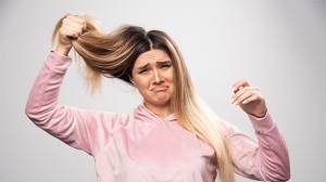 Bisa Merusak Rambut Asli, Ini 5 Efek Samping dari Hair Extension