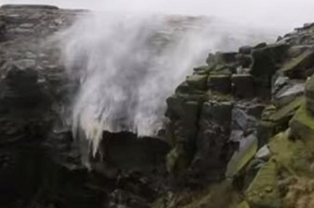101+ Gambar Air Terjun Mengalir Terbaik