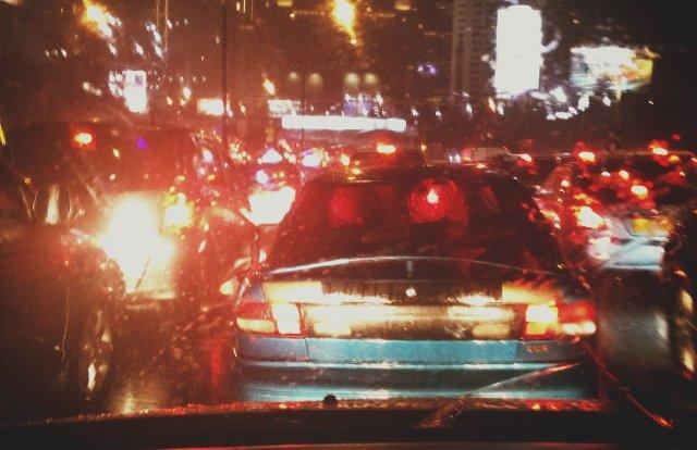 Diguyur Hujan Sejak Siang Beberapa Ruas Jalan Jakarta Macet