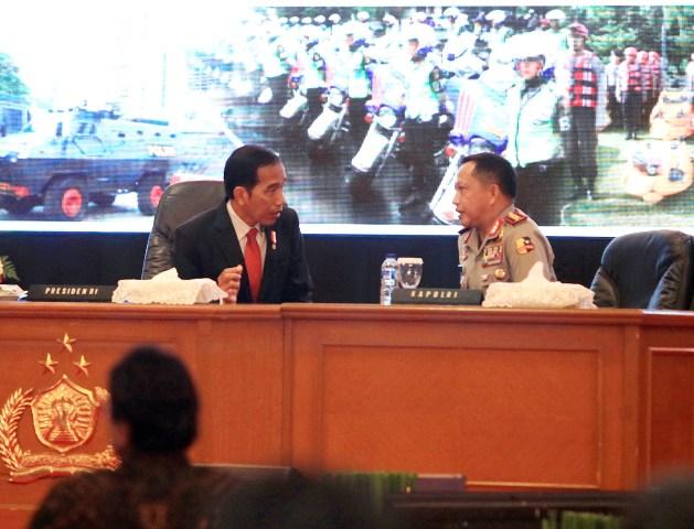 Kapolri Temui Presiden dengan Pengawalan Ketat