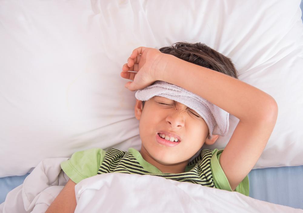 Jangan Panik saat Anak Demam, Ini yang Harus Anda Lakukan