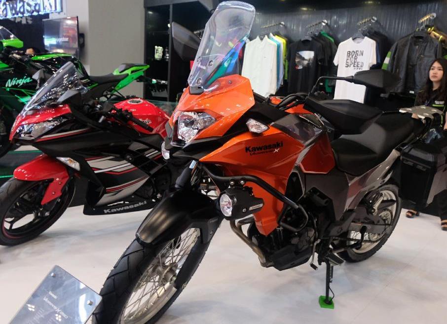 Kawasaki Pamerkan Versys-X 250 di GIIAS 2017 dengan Program Menarik