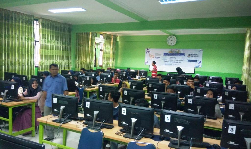MAN 1 Jakarta Fasilitasi Siswanya Jalani Tes Online OSC with Avitex 2017