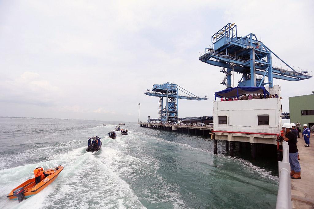 Polairud Polda Jabar Simulasikan Pengamanan Pilkada di Laut