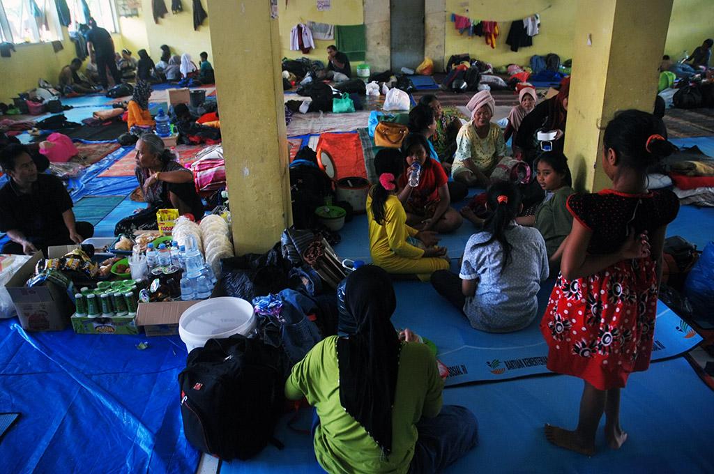 Pengungsi Banjir di Kabupaten Bandung Kembali ke Rumah