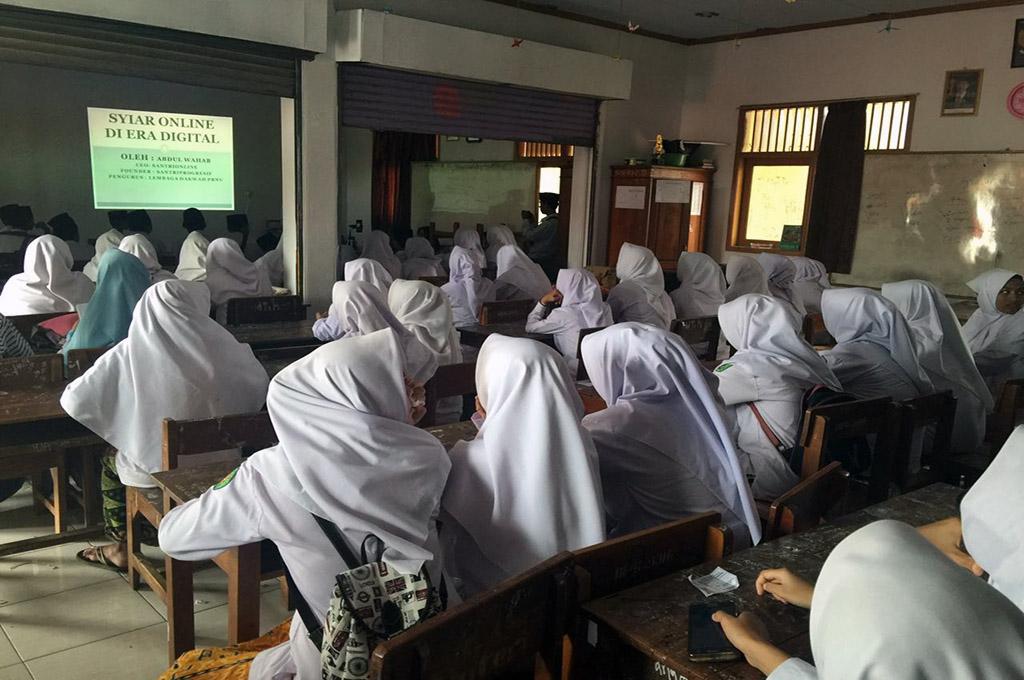 2 Ribu Santri di Cirebon Ikut Festival Literasi Digital