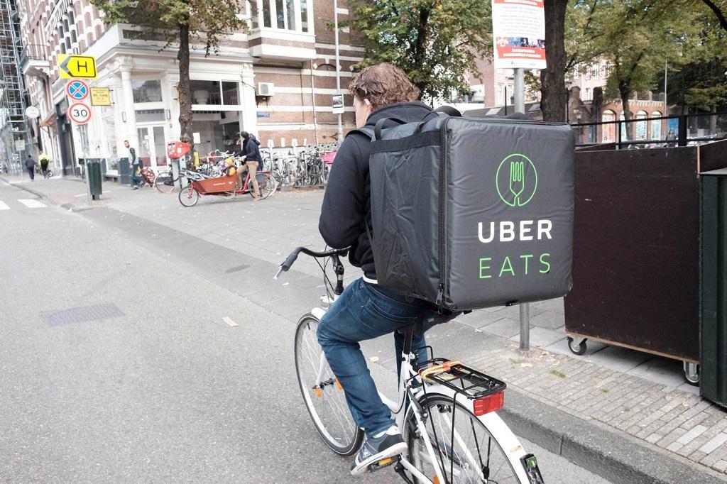 Kurir Makanan Uber Lebih Laris Ketimbang Antar Jemput Orang