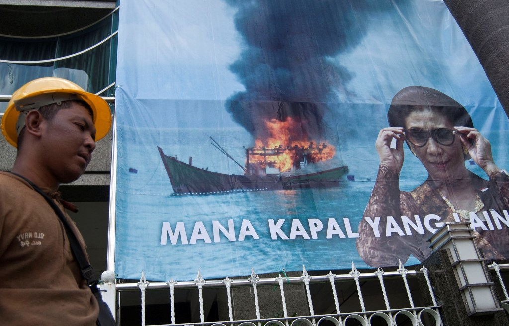 Menteri Susi: Penenggelaman Kapal Amanah UU Perikanan