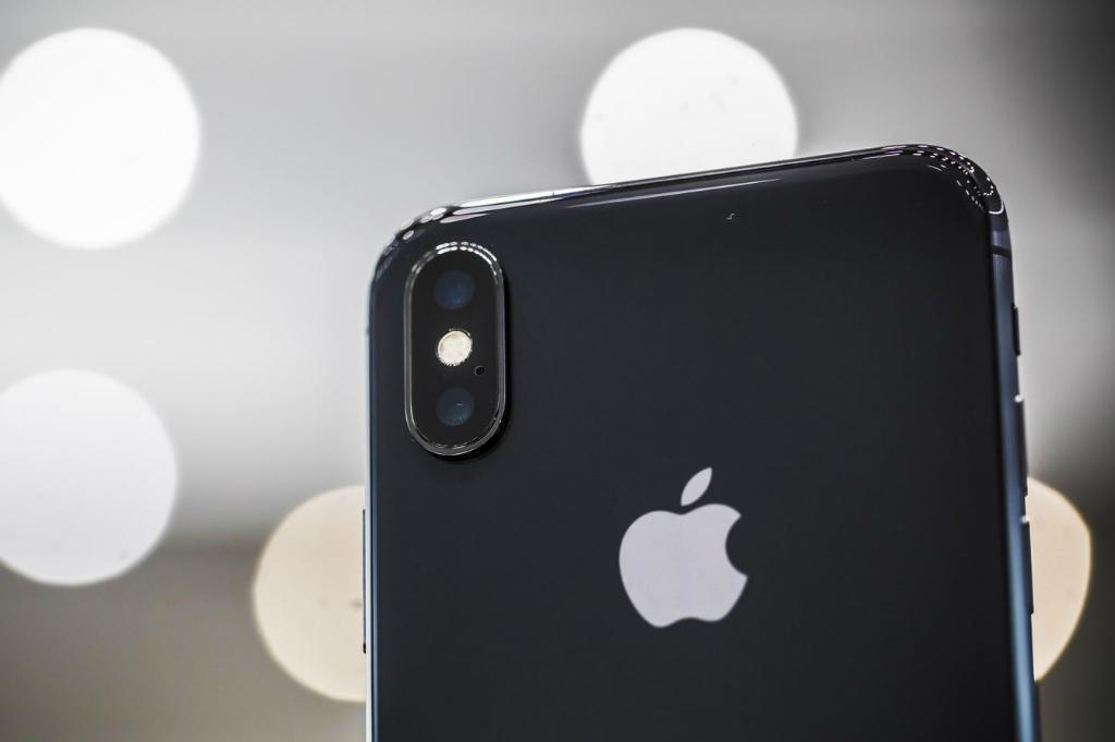 Apple Rilis Iklan Baru untuk iPad Pro dan iPhone X