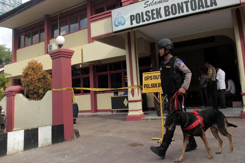 Bukti Selidiki Pelemparan Bom Molotov di Polsek Bontoala Minim
