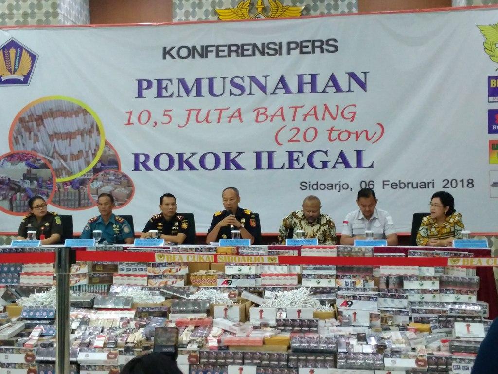Bea Cukai Musnahkan 10,5 Juta Batang Rokok Ilegal
